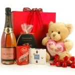 Champagne hamper for Mother's Day
