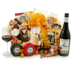 Vegetarian Hampers: Hampers & Gift Baskets from Hampergifts.co.uk - Wine & Cheese Feast