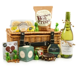 Christmas Treasures | White Wine Hamper in Wicker Basket