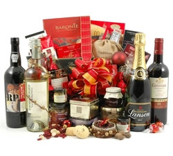 Champagne Hampers & Baskets: from Hampergifts.co.uk - Christmas Decadence