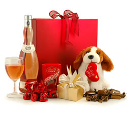 Chocolate Hampers & Gifts - Hampergifts.co.uk - Rosé, Chocs & Cuddly Puppy