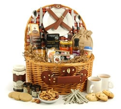 Vegetarian Hampers: Hampers & Gift Baskets from Hampergifts.co.uk - Picnic Food Hamper for Two