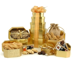 Vegetarian Hampers: Hampers & Gift Baskets from Hampergifts.co.uk - Cookies & Cake Tower