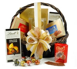 Vegetarian Hampers: Hampers & Gift Baskets from Hampergifts.co.uk - Lindt Chocolate Gift Basket