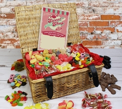 Sweet Hampers: Hampers & Gift Baskets from Hampergifts.co.uk - Fizzy Favourites Retro Hamper