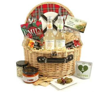Hampers food hampers gift baskets christmas hampers picnic treats for two negle Image collections